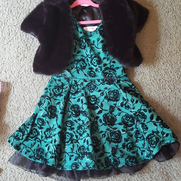 Knitworks Other - Green and black toddler girls holiday dress w/card
